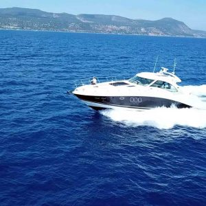 Internity Yacht